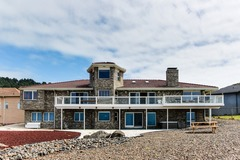 Booking (trips, stays, etc.): Huge Newport Oceanfront Estate with Hot Tub