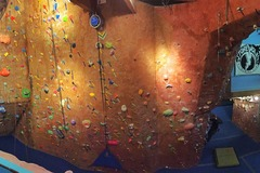 Selling: Bilingual Rock Climbing Classes / Clases de Escalada de Rock