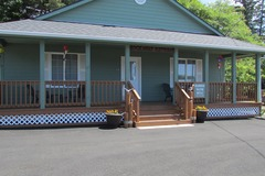 Booking (trips, etc.): Rockaway Beach Retreat: Family-Friendly, Fenced Yard
