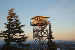 Booking (trips, etc.): Flag Point Lookout: Mt. Hood National Forest
