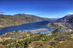 Booking (trips, stays, etc.): Small Group Columbia Gorge Waterfalls & Wine Tour