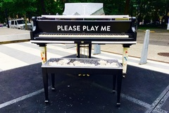 Free: Piano Push Play