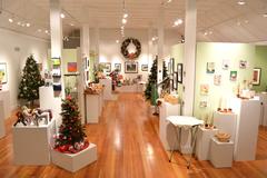Free: Holiday Showcase