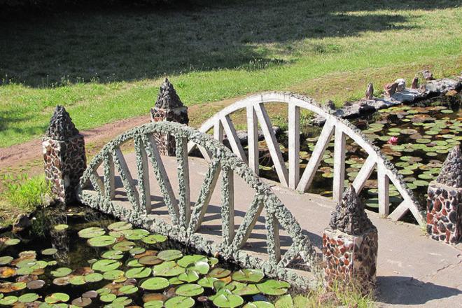 Explore The Petersen Rock Garden And Museum
