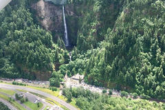 Booking (trips, stays, etc.): Wonderful Waterfalls Columbia River Gorge Scenic Flight